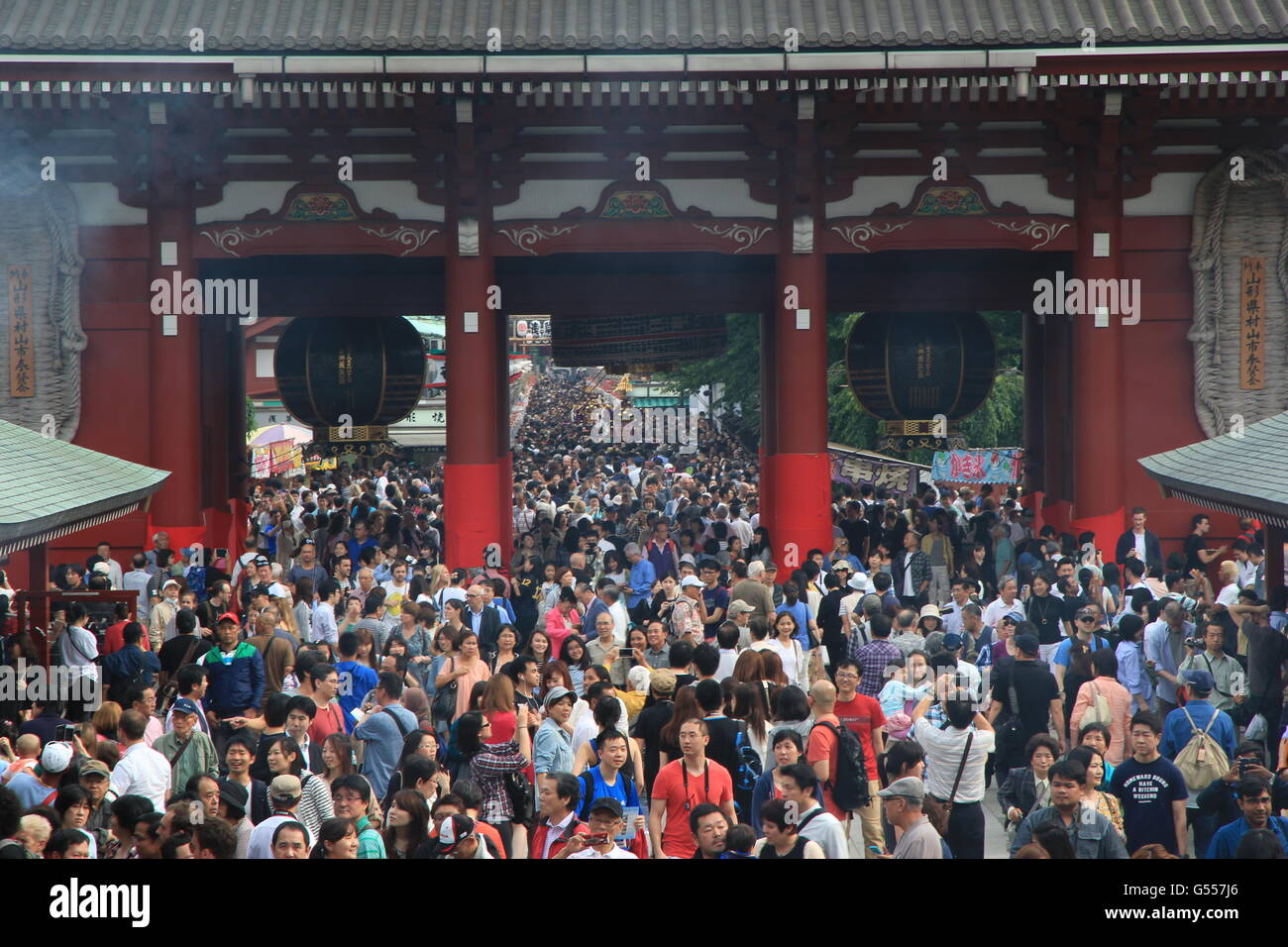 People Crowd in to Senso-Ji Temple for Sanja Matsuri Festival - Stock Image