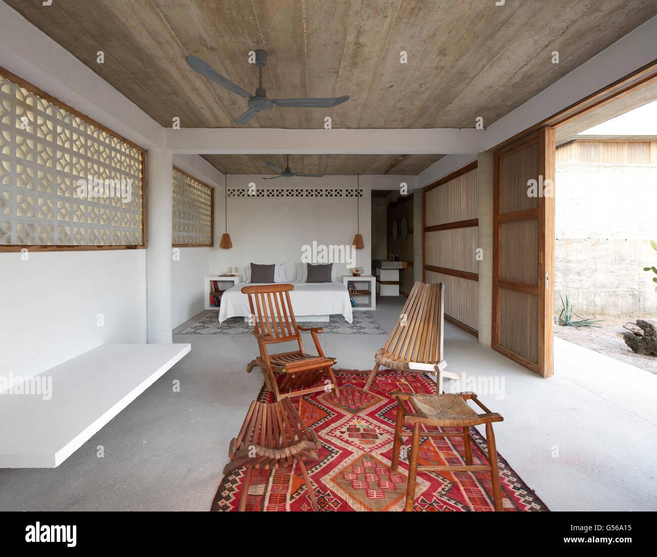 Lower level bedroom. Casa Cal, Puerto Escondido, Mexico. Architect: BAAQ, 2015. - Stock Image