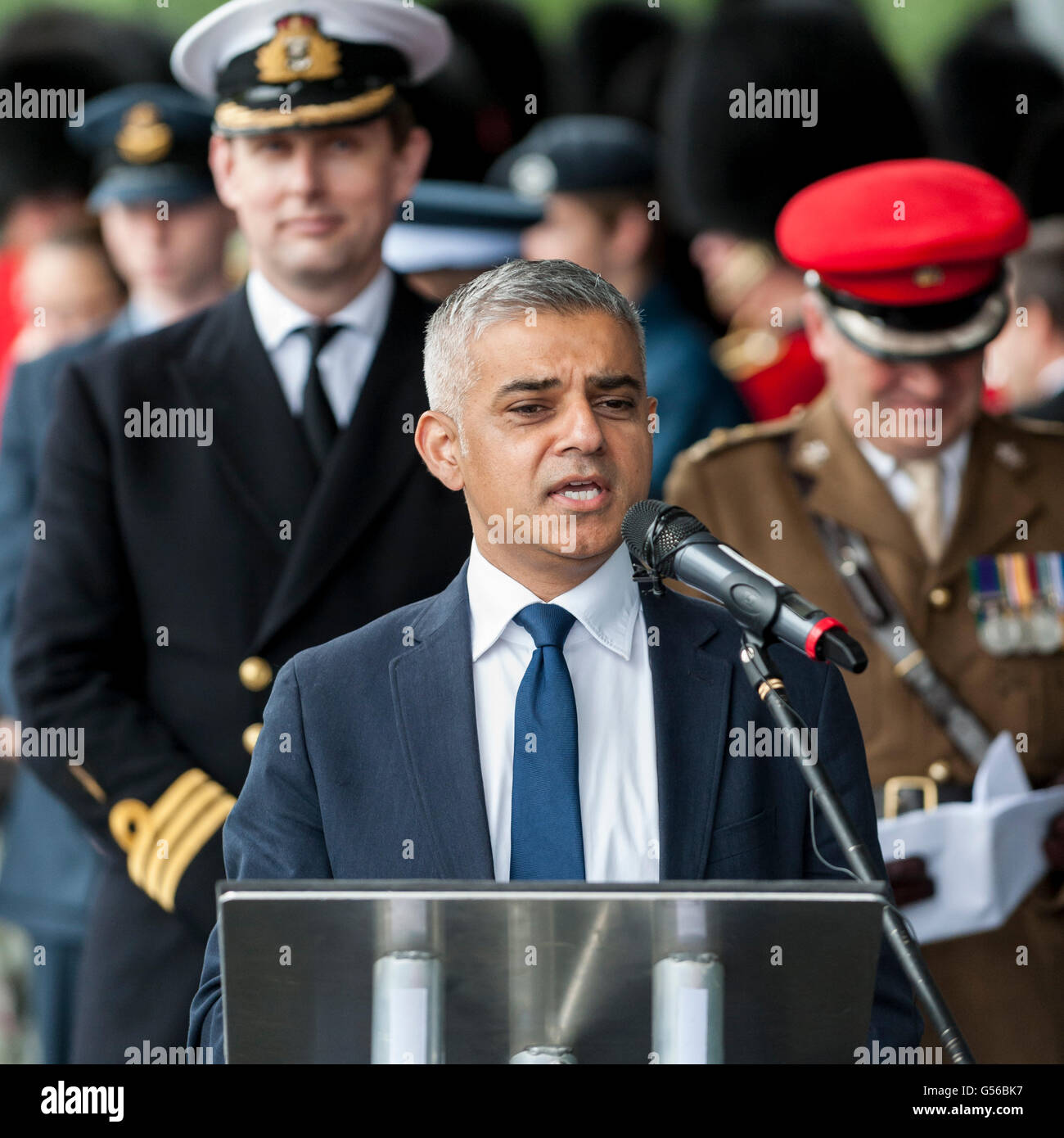 London, UK.  20 June 2016. The Mayor of London, Sadiq Khan, and London Assembly join members of the British Armed - Stock Image