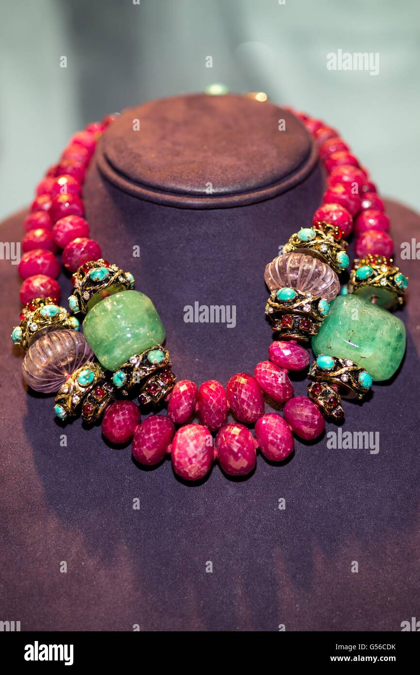 New York, NY, USA. 19th June, 2016. A RUBY, EMERALD AND AMETHYST BEAD NECKLACE, BY IRADJ MOINI Designed as two rows - Stock Image
