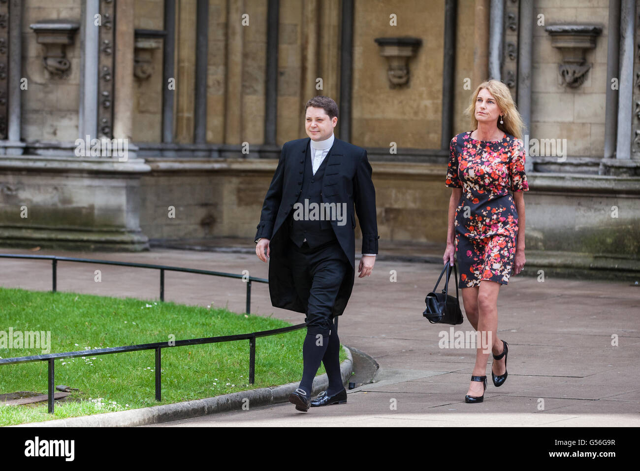 London, UK. 20th June, 2016. Sally Bercow (r), wife of the Speaker of the House of Commons John Bercow, arrives - Stock Image