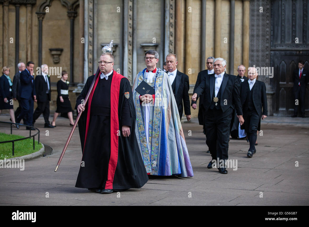 London, UK. 20th June, 2016. Canon Tremlett (c), Rector of St Margaret's Church, and Senior Verger Nigel Harris - Stock Image