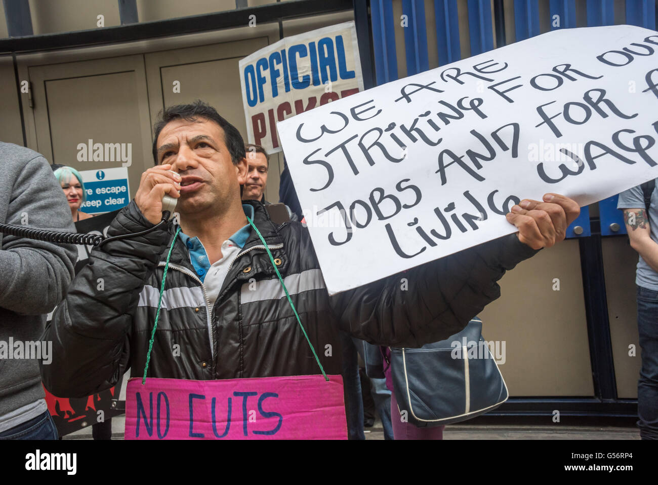 London, UK. June 21th, 2016. Victor, one of the cleaners at the 100 Wood St offices have speaks at the rally on Stock Photo