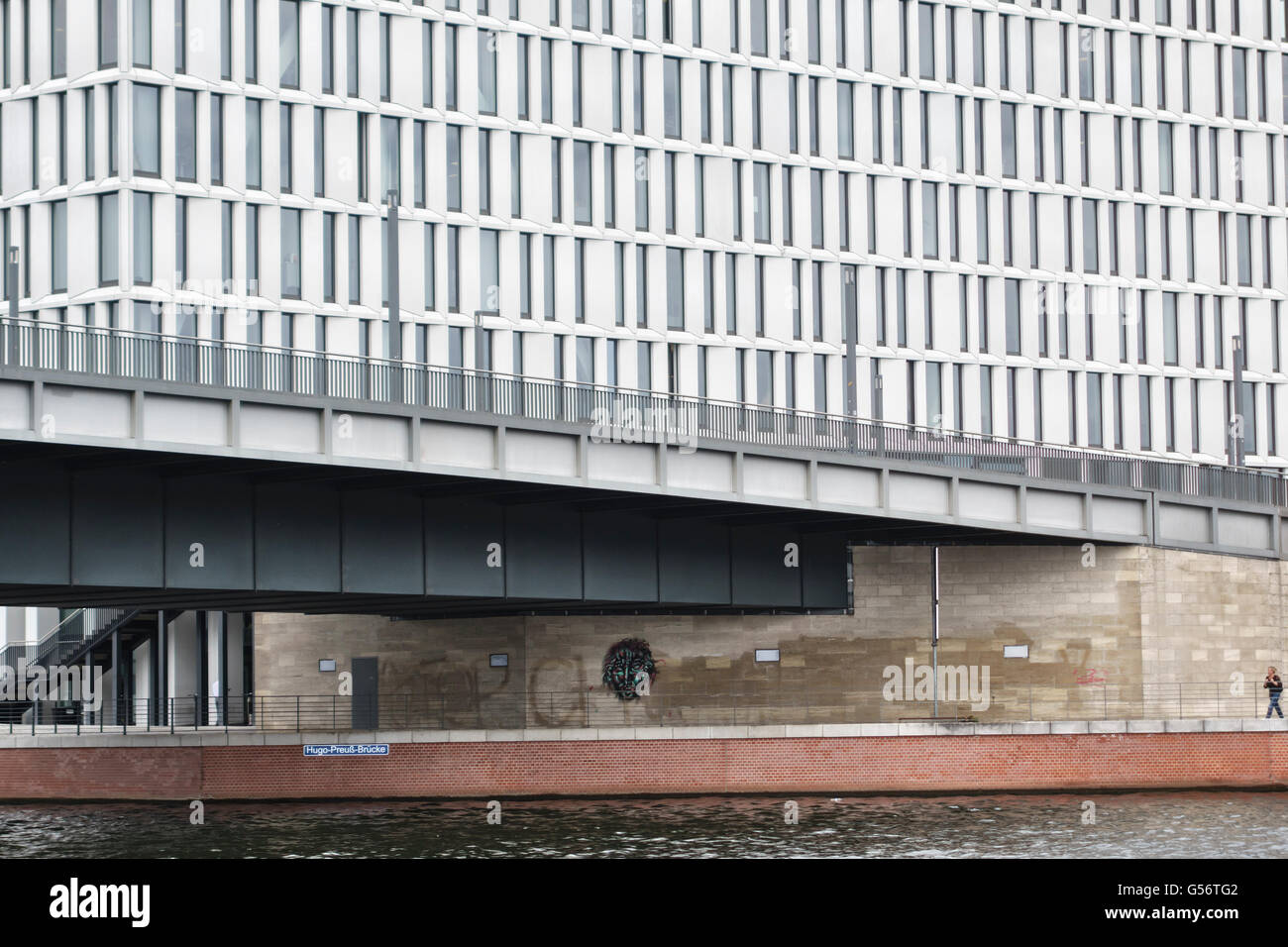 Berlin, Germany (Hugo Preuss Bridge, 2004). New offices and riverside walks have been built along the banks of the - Stock Image