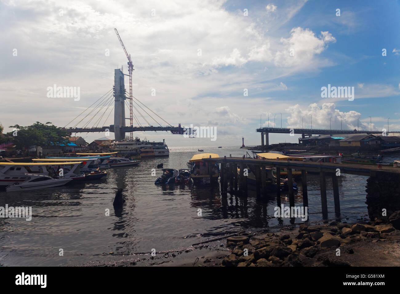 Soekarno bridge, Manado, Sulawesi, Indonesia Stock Photo
