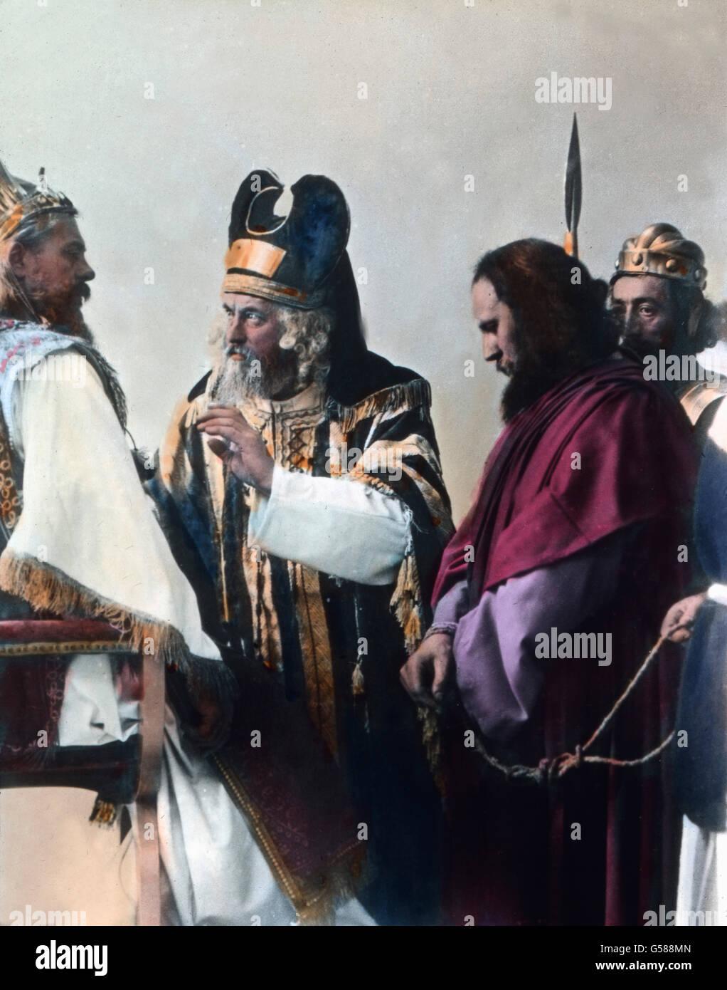 Bei Kaiphas sind alle Hohepriester Öltesten und Schriftgelehrten versammelt, um Christus zu erwarten. Viele - Stock Image