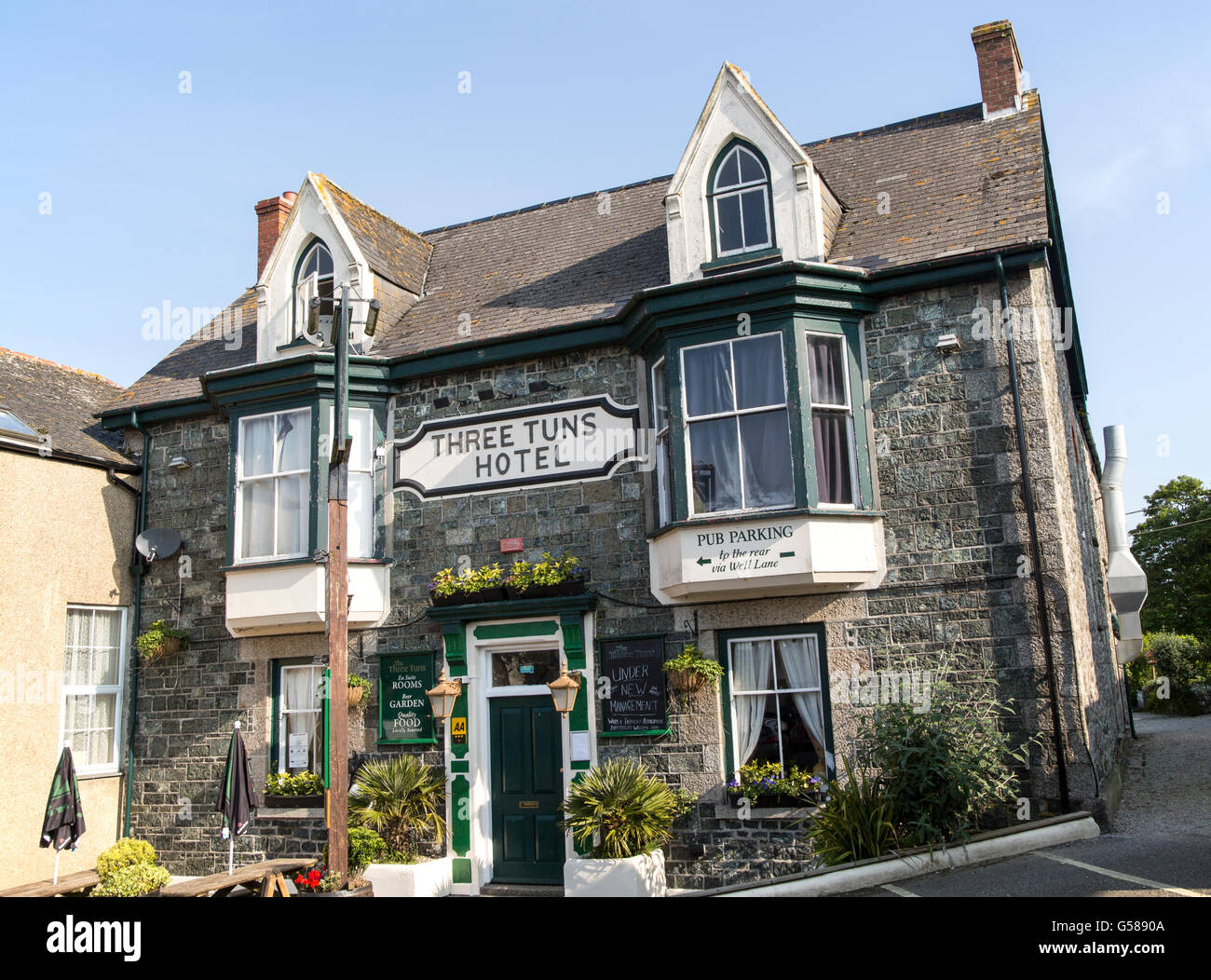 Three Tuns hotel traditional village pub building, St Keverne, Lizard Peninsula, Cornwall, England, UK - Stock Image
