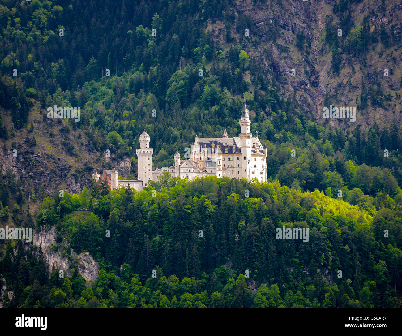 Beautiful view of world-famous Neuschwanstein Castle, the 19th century Romanesque Revival palace built for King Stock Photo