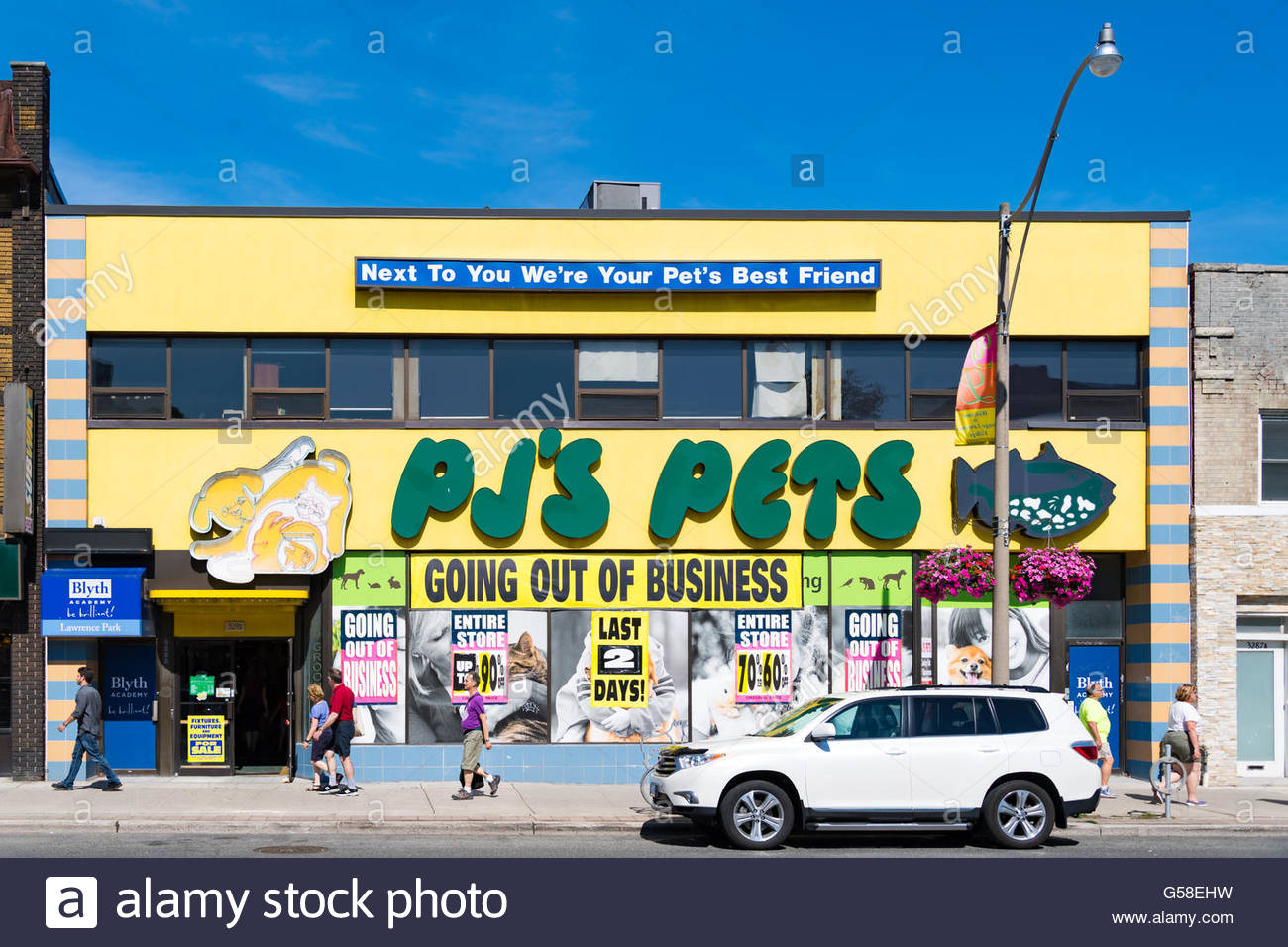 PJ's Pets is closing 27 stores across Canada. The company accumulated losses of 16.5 million since 2013. - Stock Image