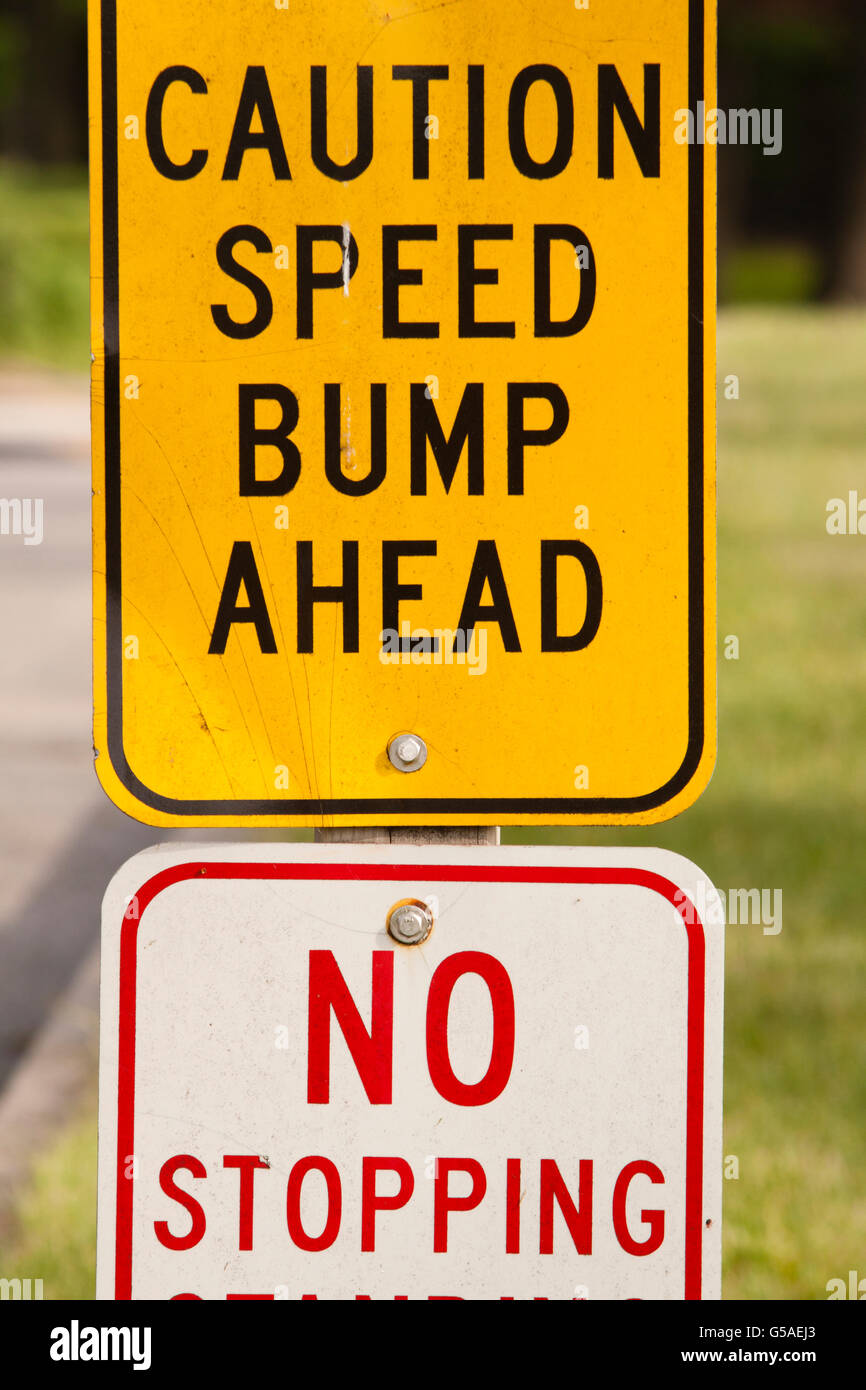 Speed Bump Ahead, No Stopping Sign - Stock Image