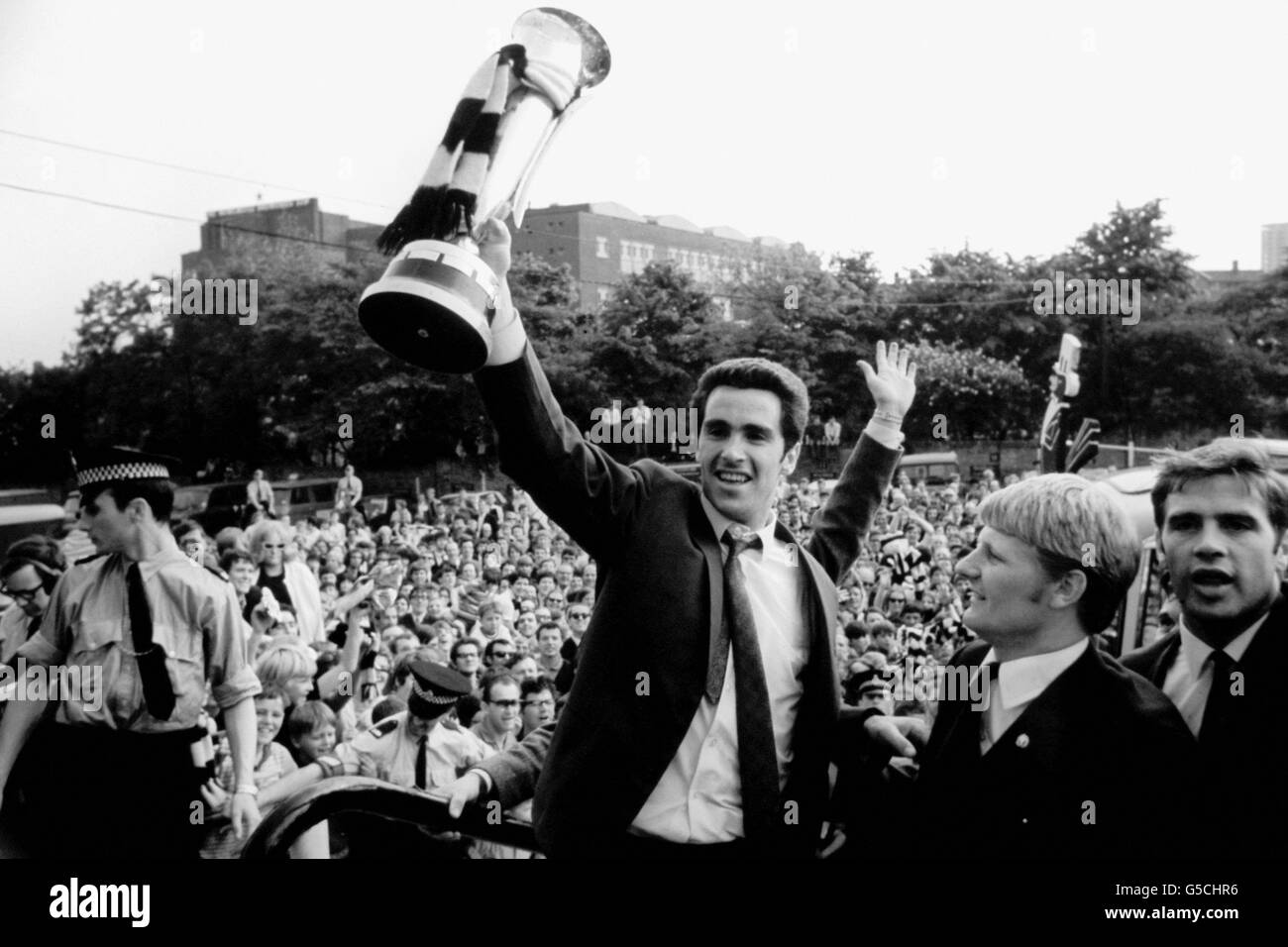 Soccer - Newcastle United Parade The Inter-Cities Fairs Cup - Stock Image
