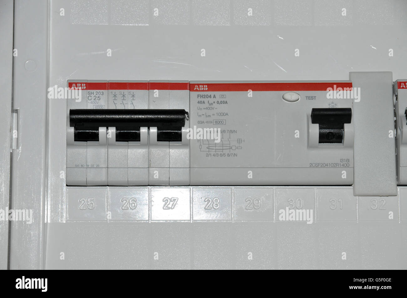 domestic fuse box stock photos \u0026 domestic fuse box stock images alamydomestic fuse box close up stock image
