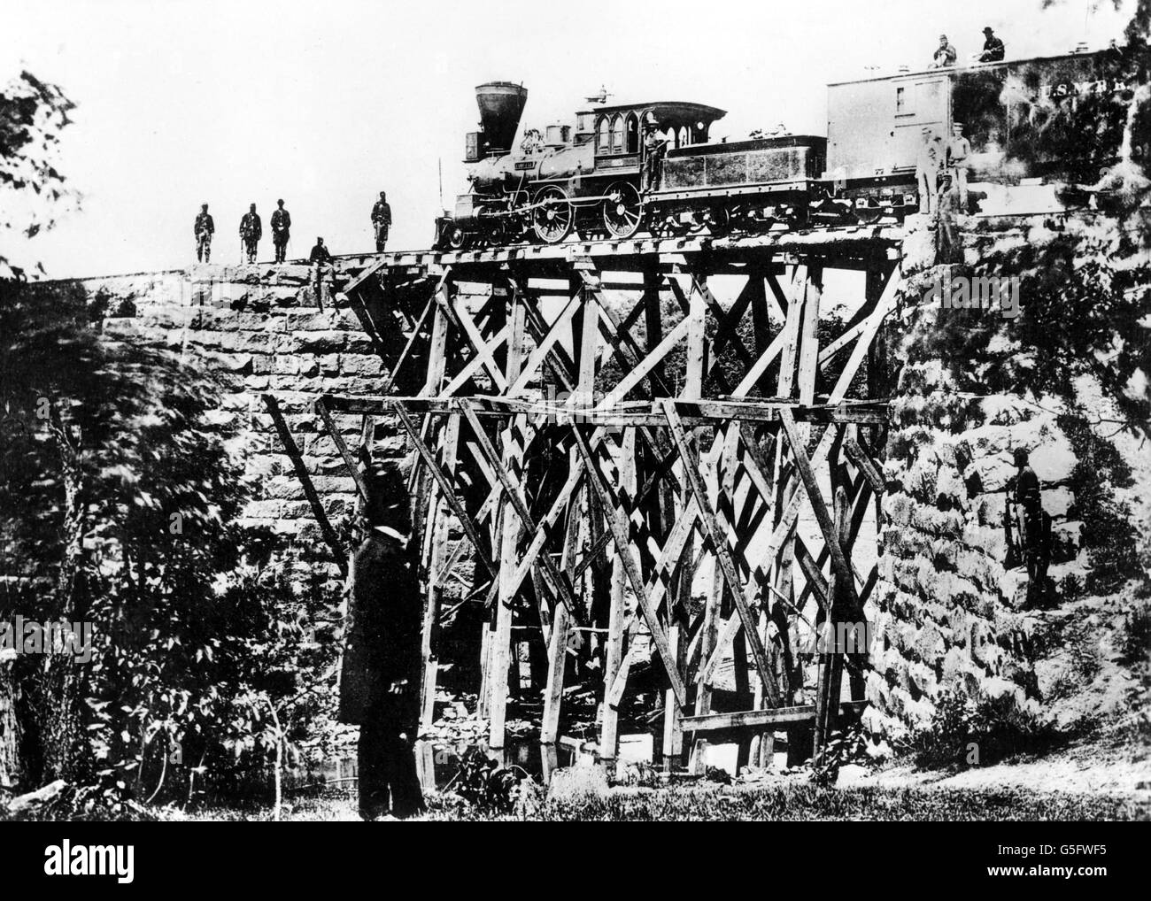 geography / travel, USA, American Civil War 1861 - 1865, transport, military train passing a bridge built by US - Stock Image