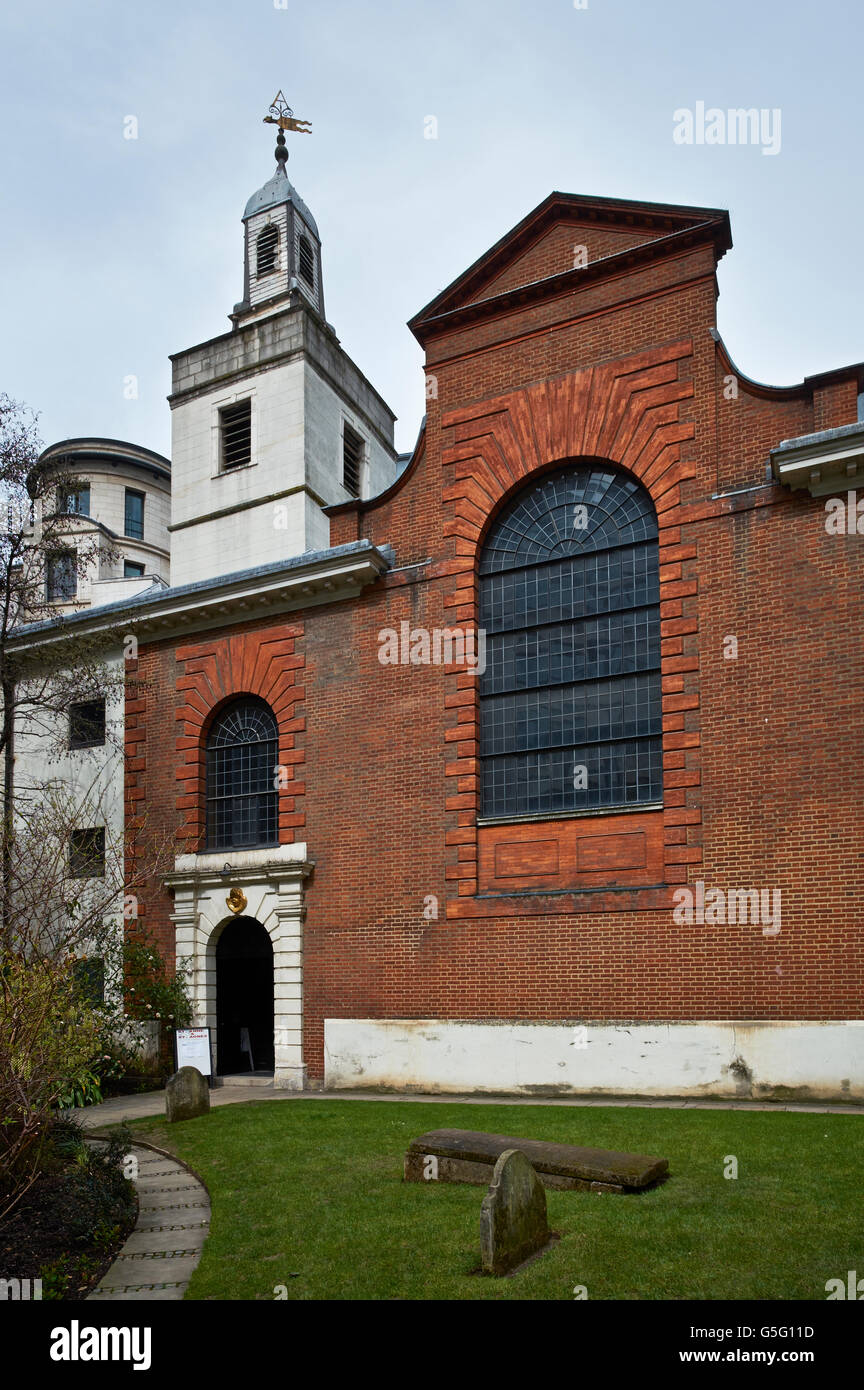 St Anne & St Agnes exterior rebuilt by Robert Hooke and Christopher Wren between 1677 and 1687: exterior - Stock Image