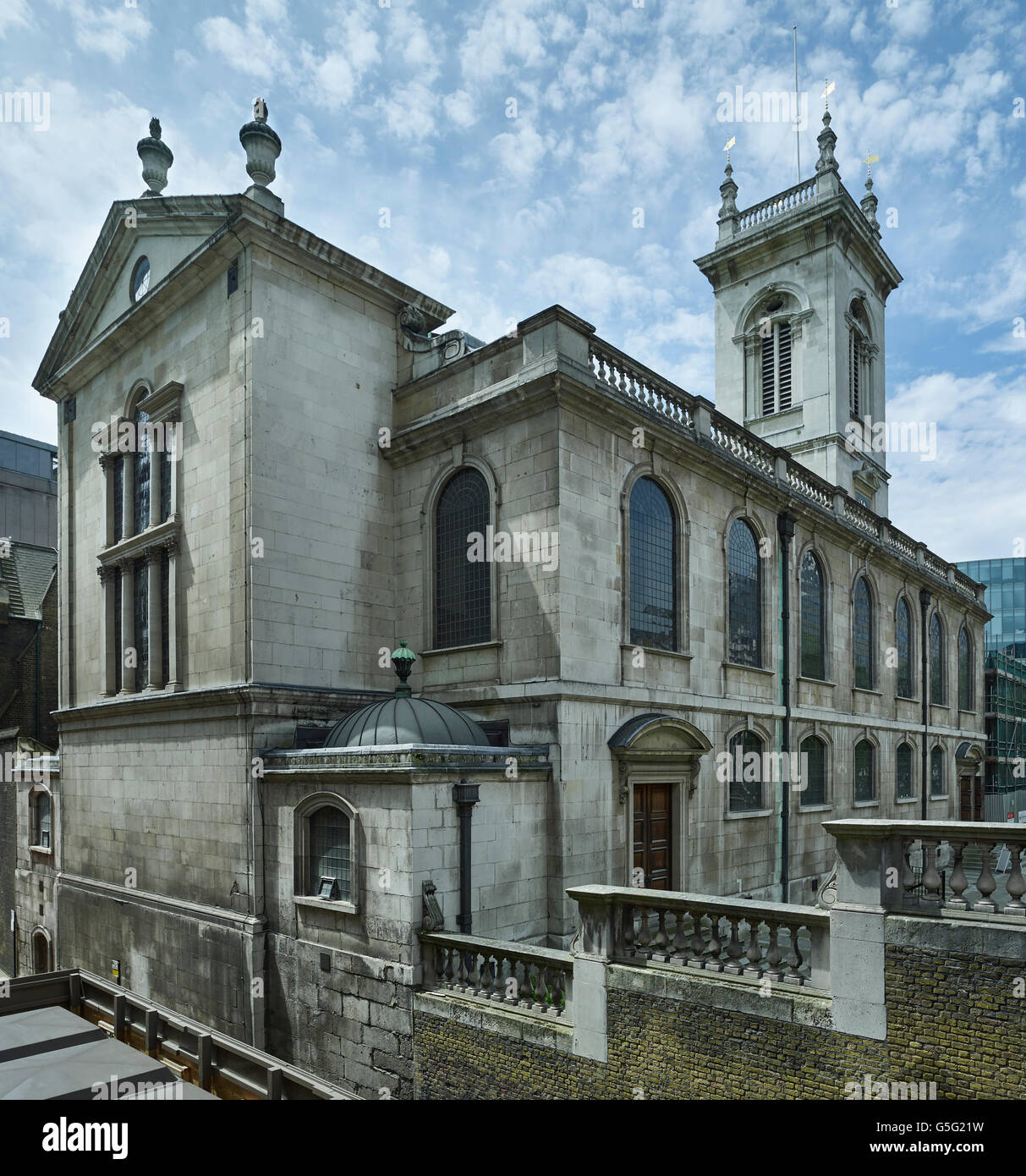 St Andrew Holborn, London: east end and north wall - Stock Image