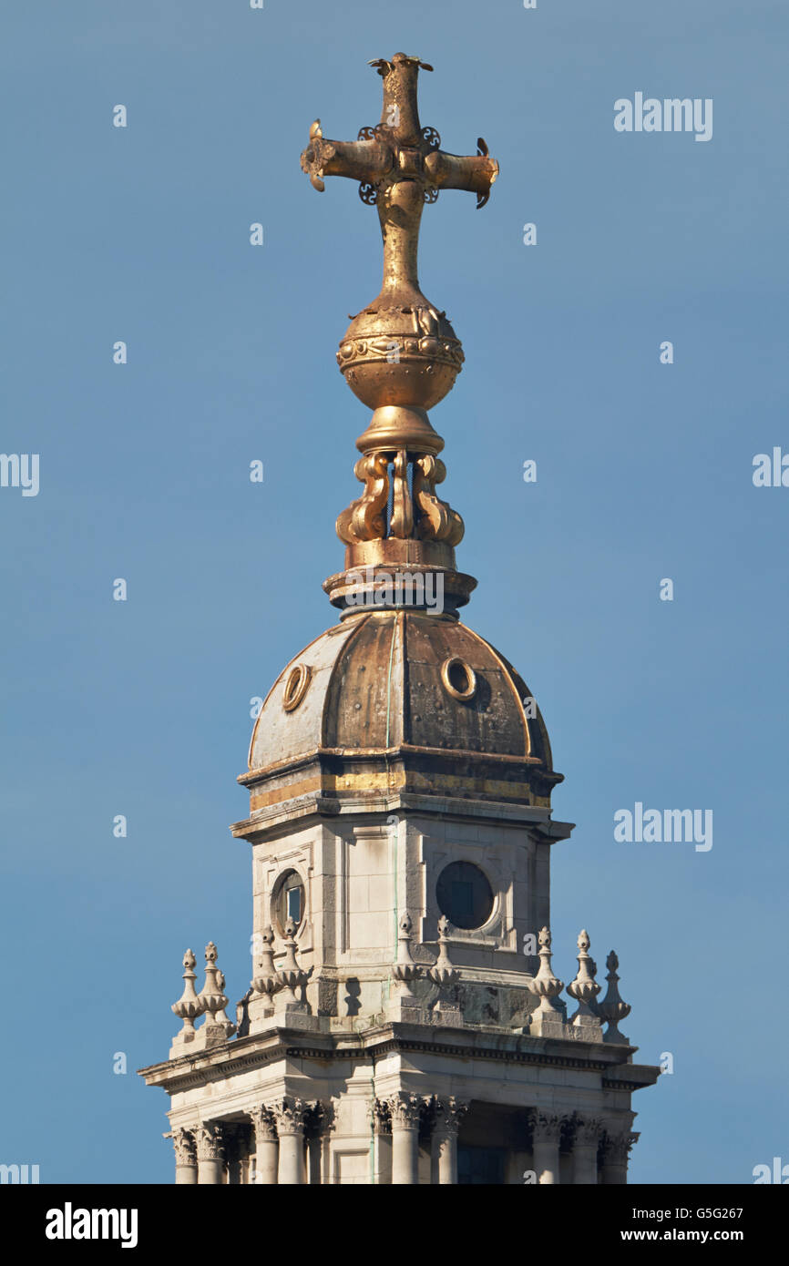 St Paul's Cathedral, London, England. By Sir Christopher Wren,  1675-1710: ball and cross at the top of the - Stock Image