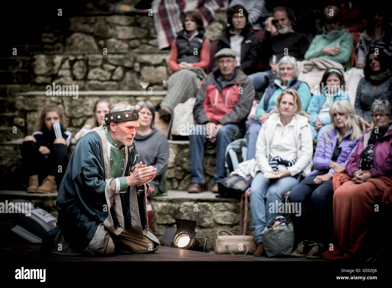 Miracle Theatre Performing Life's A Dream Actors Acting Trebah Gardens Amphitheatre Cornwall. Stock Photo
