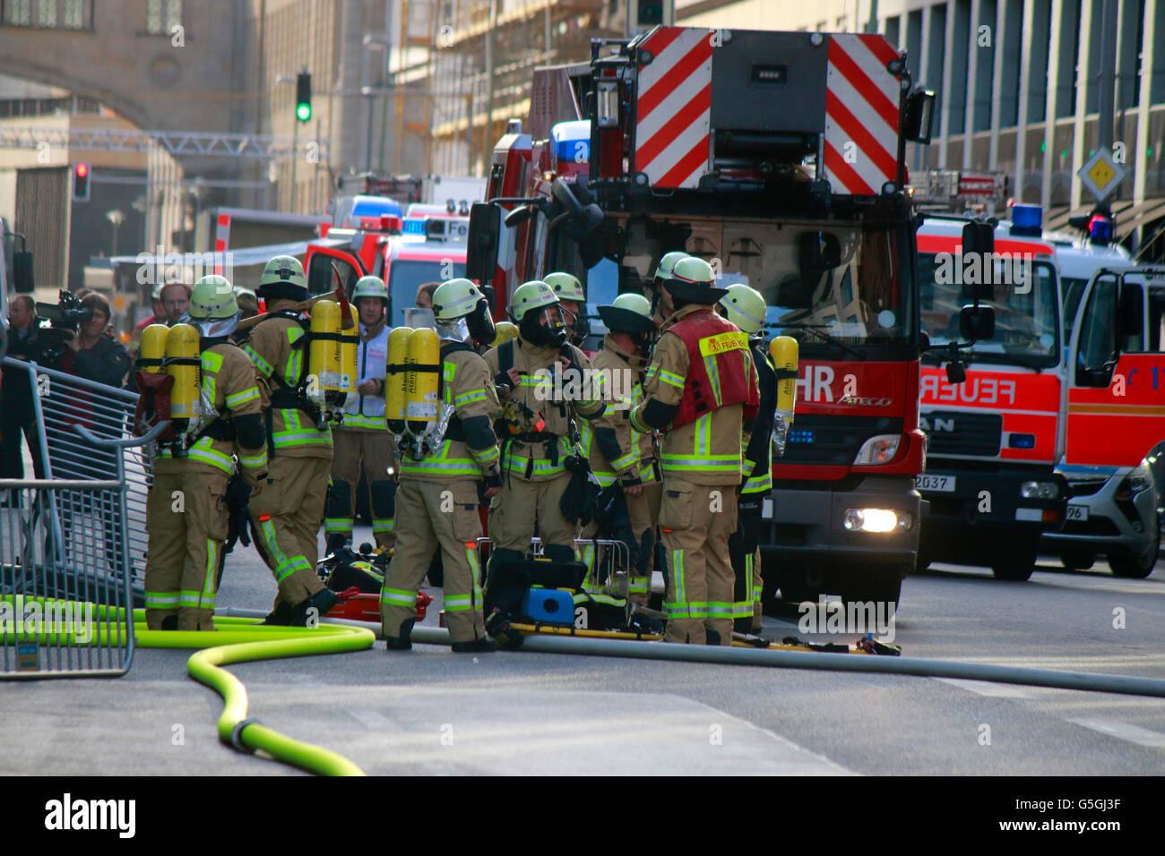 Feuerwehreinsatz, Berlin-Mitte. - Stock Image