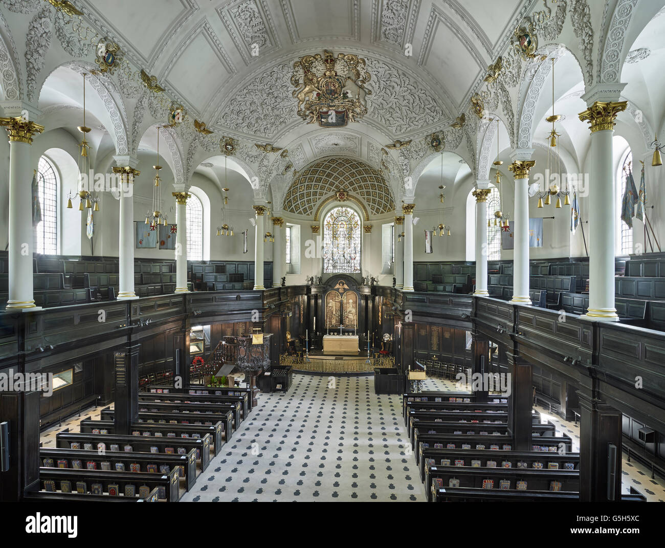 St Clement Danes church, in the Strand, London. The nave - Stock Image