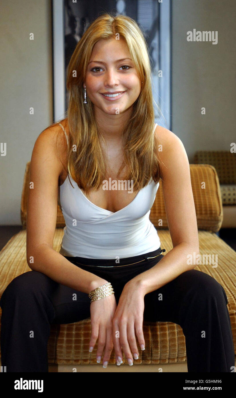 Holly valance pic 69
