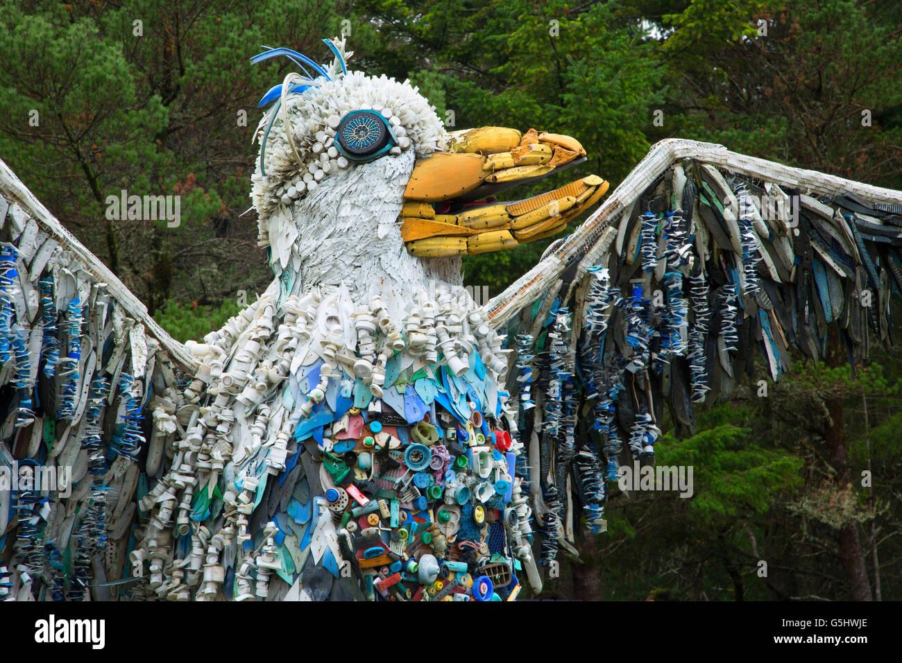 Sculpture Trash Stock Photos Amp Sculpture Trash Stock