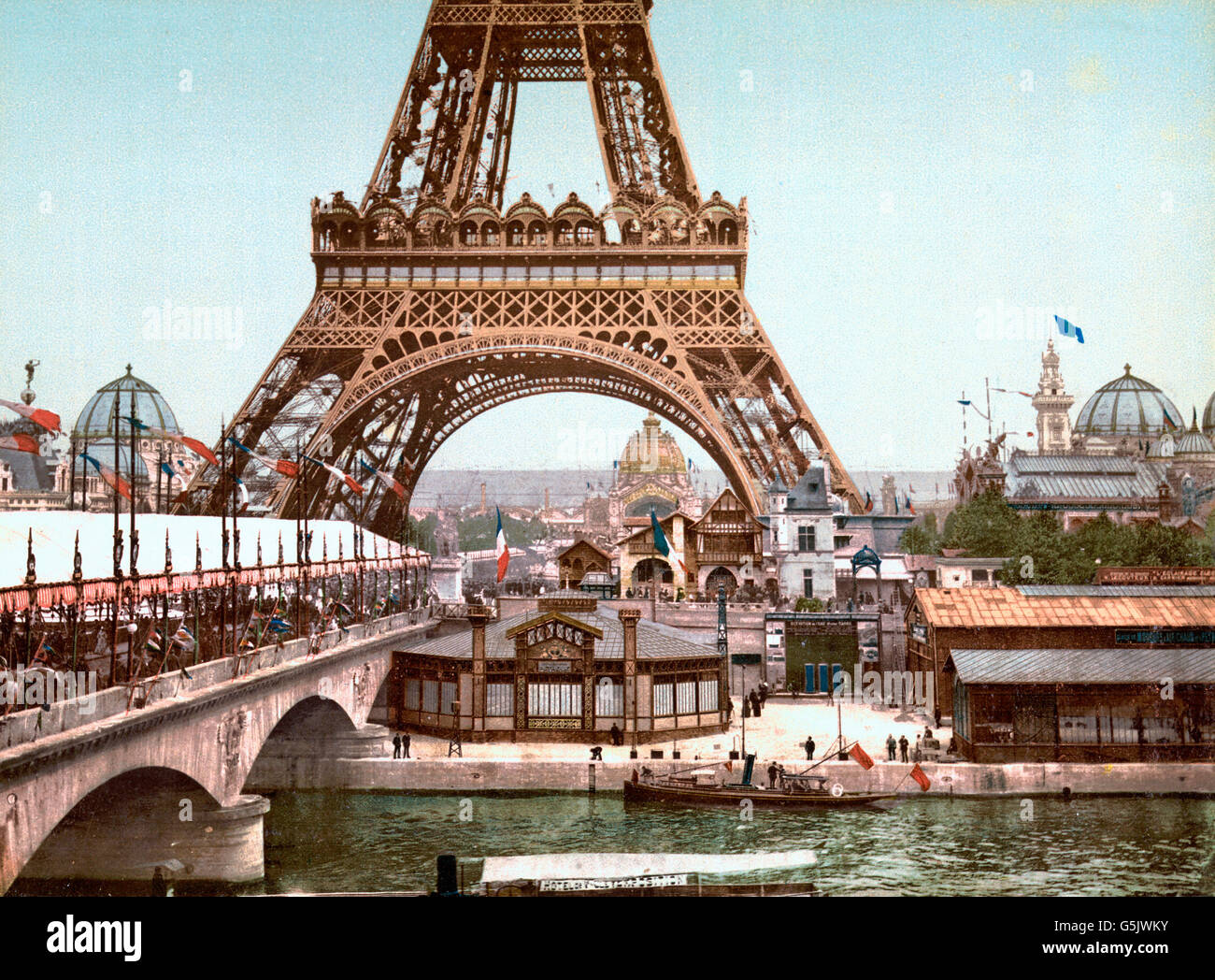 Paris Exposition, 1900. Eiffel Tower and general view of the grounds from the River Seine, Exposition Universelle - Stock Image
