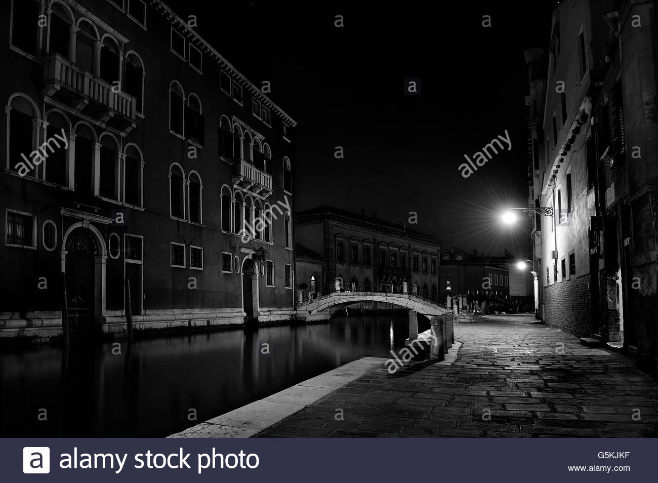 Night scene of a Venetian canal - Stock Image