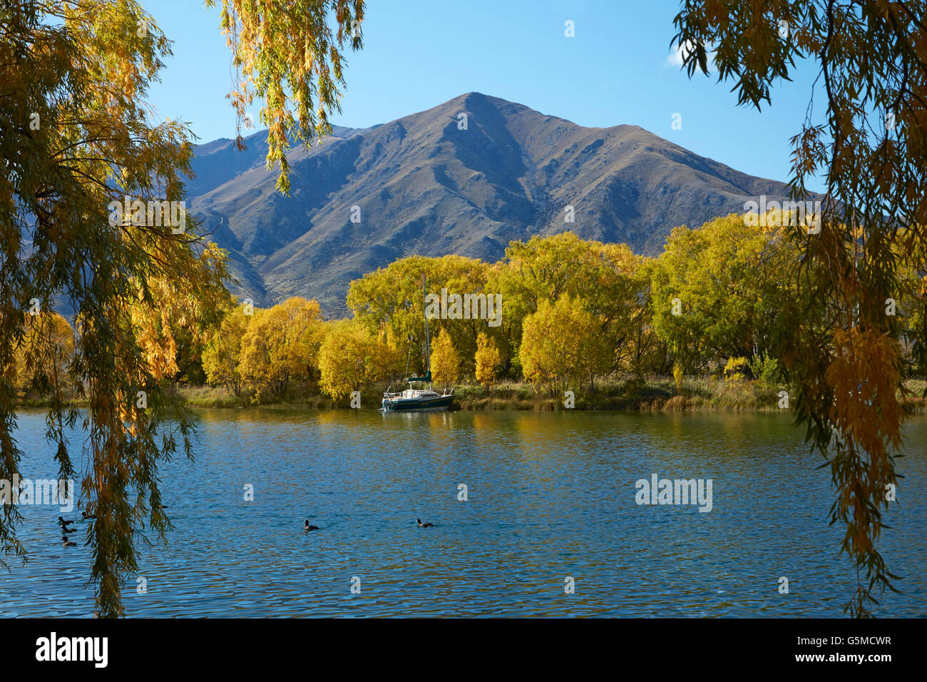 Autumn, Sailors Cutting, Lake Benmore, and Benmore Range, Waitaki Valley, North Otago, South Island, New Zealand - Stock Image