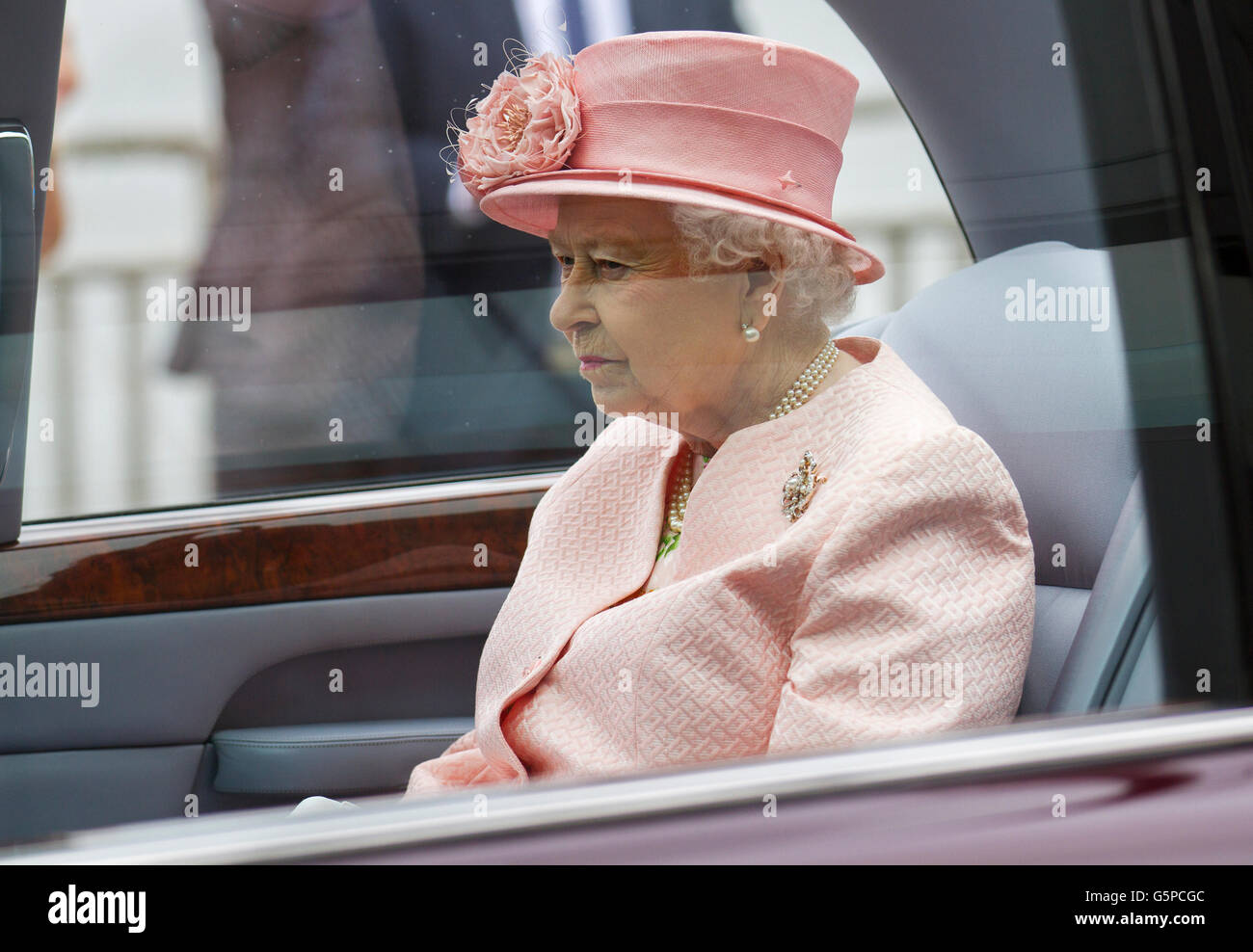 Liverpool, Merseyside, UK. 22 Jun 2106.  Queen opens Exhibition Centre.  Her Majesty The Queen opens the new Liverpool - Stock Image