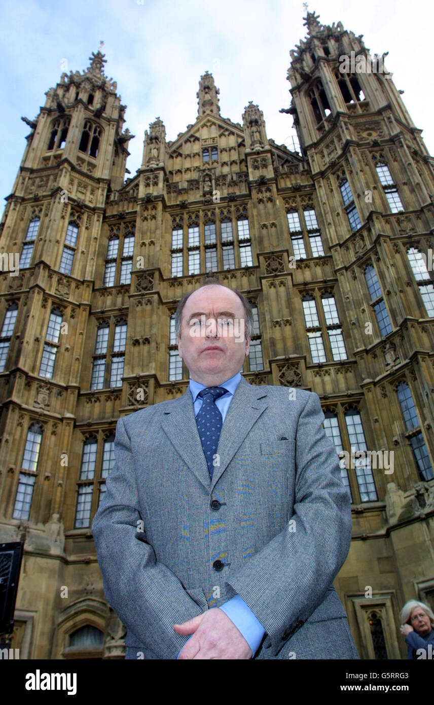 Jack Dromey outside the Houses of Parliament - Stock Image