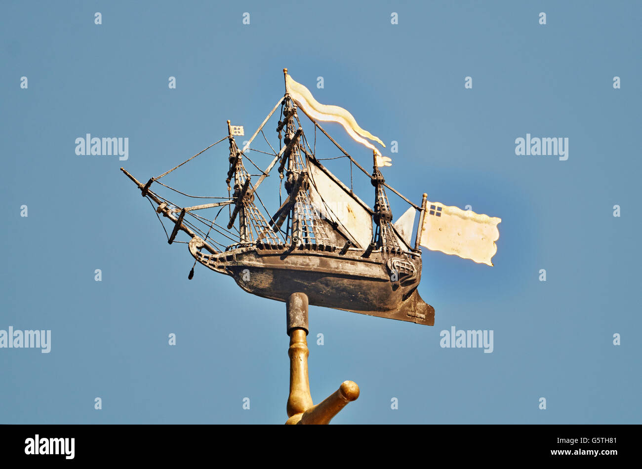 St Nicholas Cole Abbey, church in the City of London;  ship weathervane from St Michael Queenhithe - Stock Image