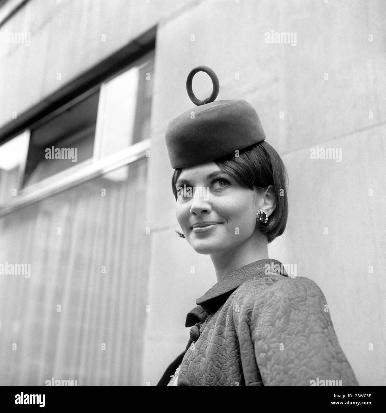 Antoinette Taus (b. 1981) picture
