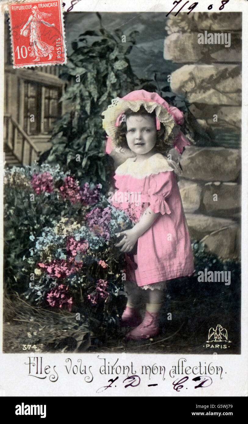 kitsch / cards / souvenir, 'Elles vous diront mes affections' (They show you my affection), child with flowers, - Stock Image