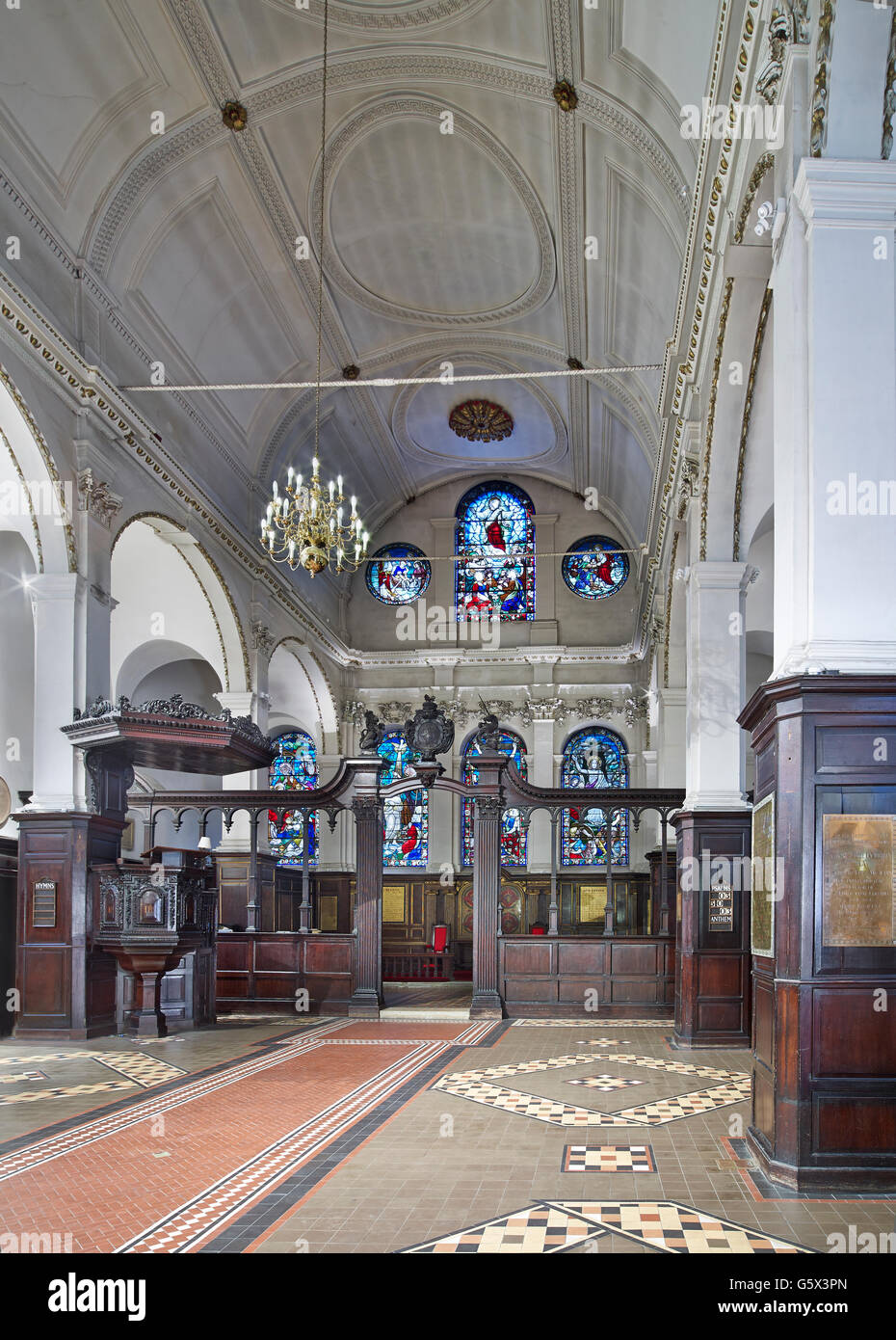 St Peter Cornhill, church in the City of London; nave and screen - Stock Image