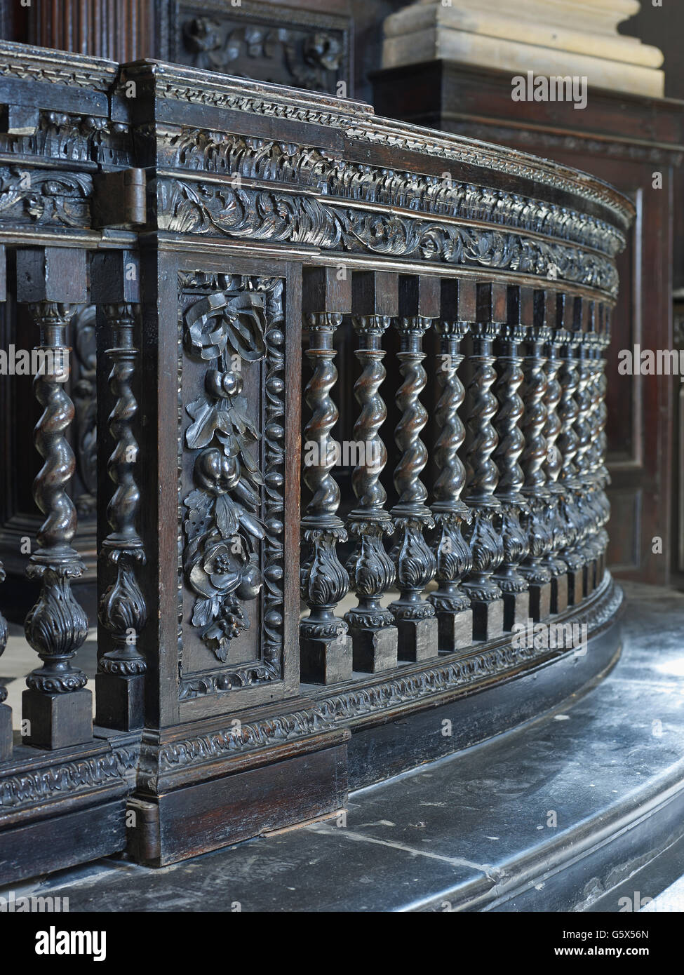 St Stephen Walbrook, church in the City of London; Communion rails - Stock Image