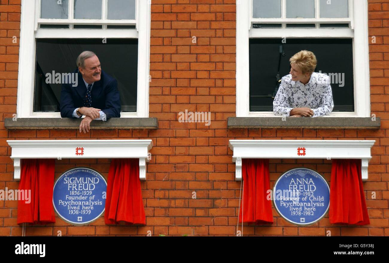 John Cleese and wife Alice Faye - Unveiling of Freud Plaques - Stock Image