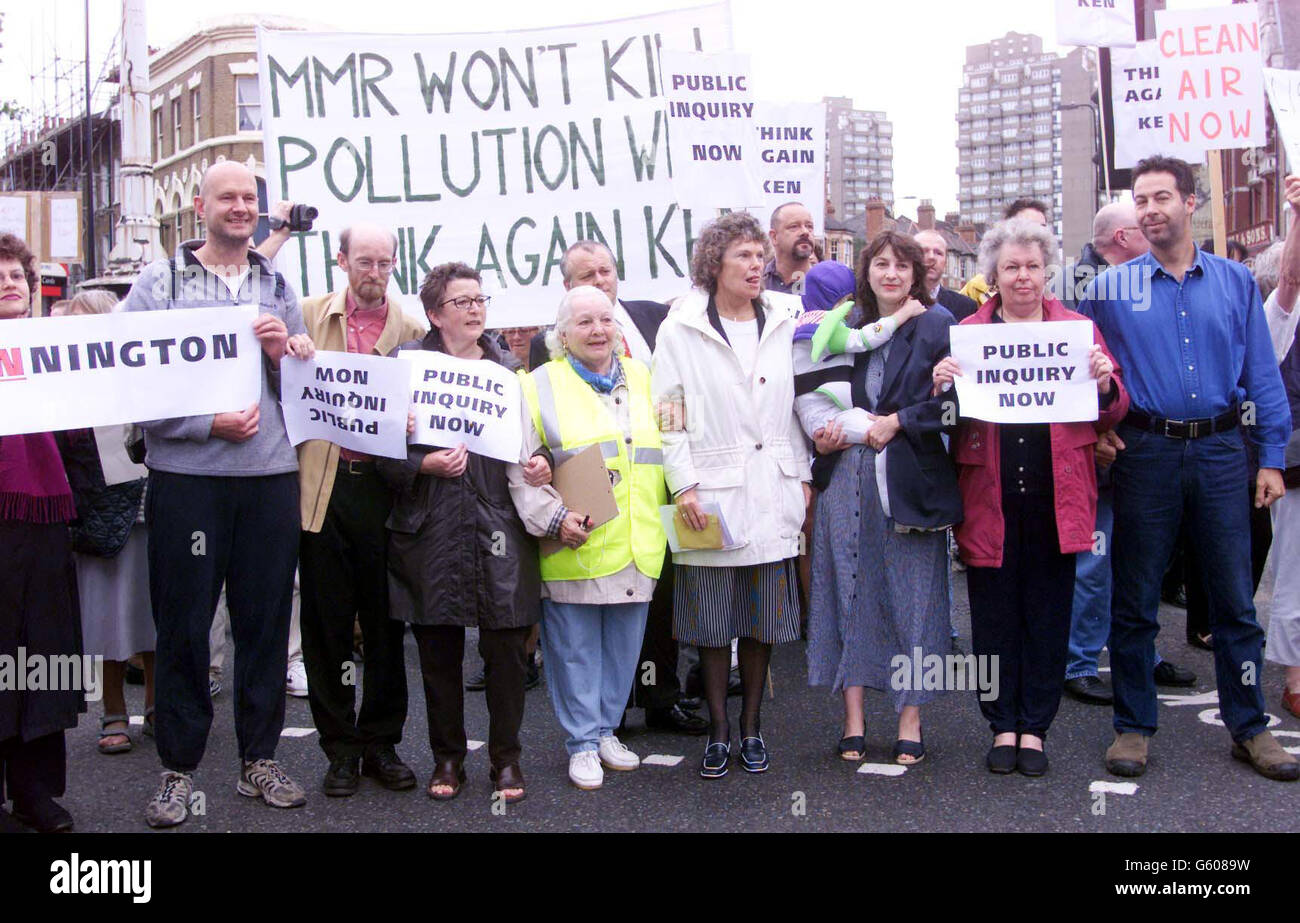 Congestion charging zone demo / Labour MP Kate Hoey - Stock Image