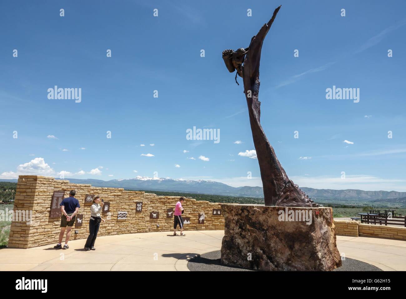 Mesa Verde national Park visitor center statue - Stock Image