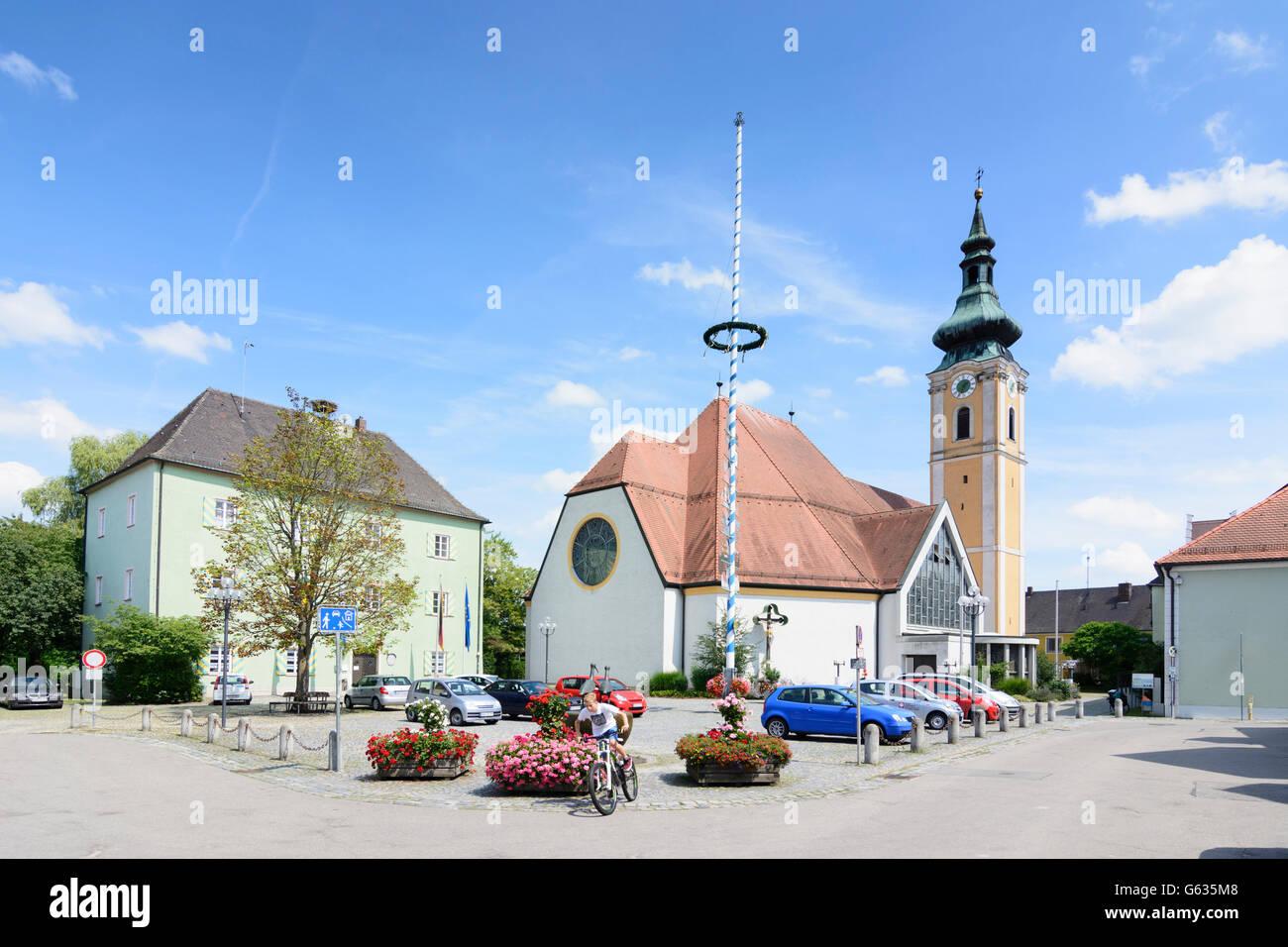 square Kirchplatz, church Unsere Liebe Frau, Town Hall, maypole, Nittenau, Germany, Bayern, Bavaria, Oberpfalz, - Stock Image