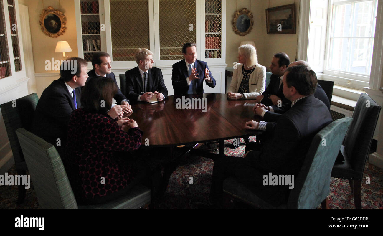 Prime Minister David Cameron talks to members of his new advisory board on policy (left to right) Jane Ellison, Stock Photo