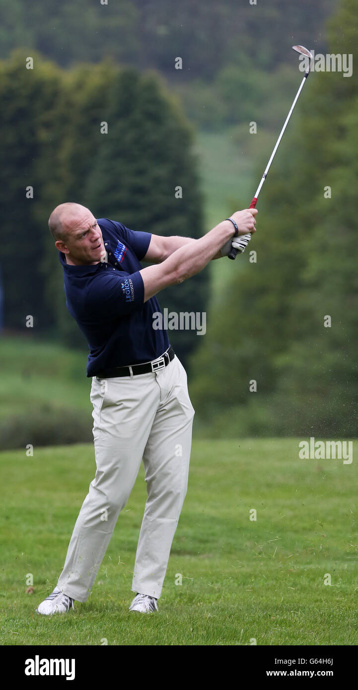 Mike Tindall in drives during his Celebrity Golf Classic in aid of Rugby for heroes and the On Course Foundation - Stock Image