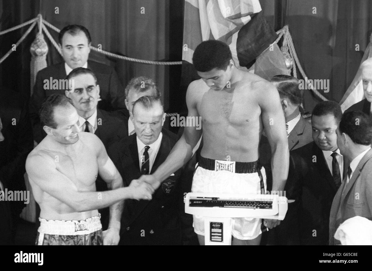 Boxing - World Heavyweight Title Bout - Henry Cooper v Muhammad Ali - Weigh-In - Odeon, London - Stock Image