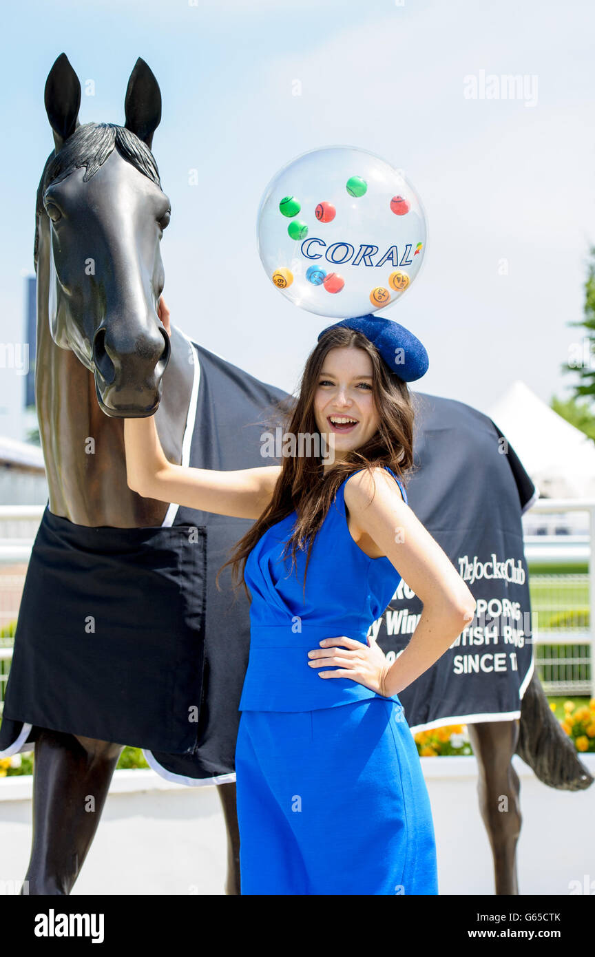 Horse Racing - The Investec Ladies Day - Epsom Downs Racecourse - Stock Image