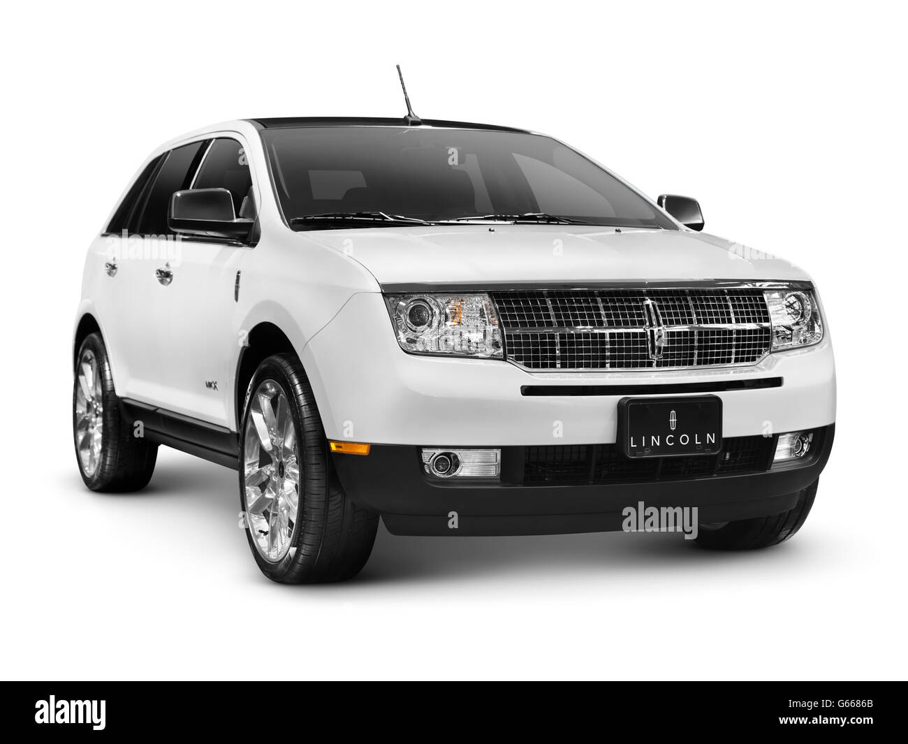 White 2010 Lincoln MKX SUV - Stock Image