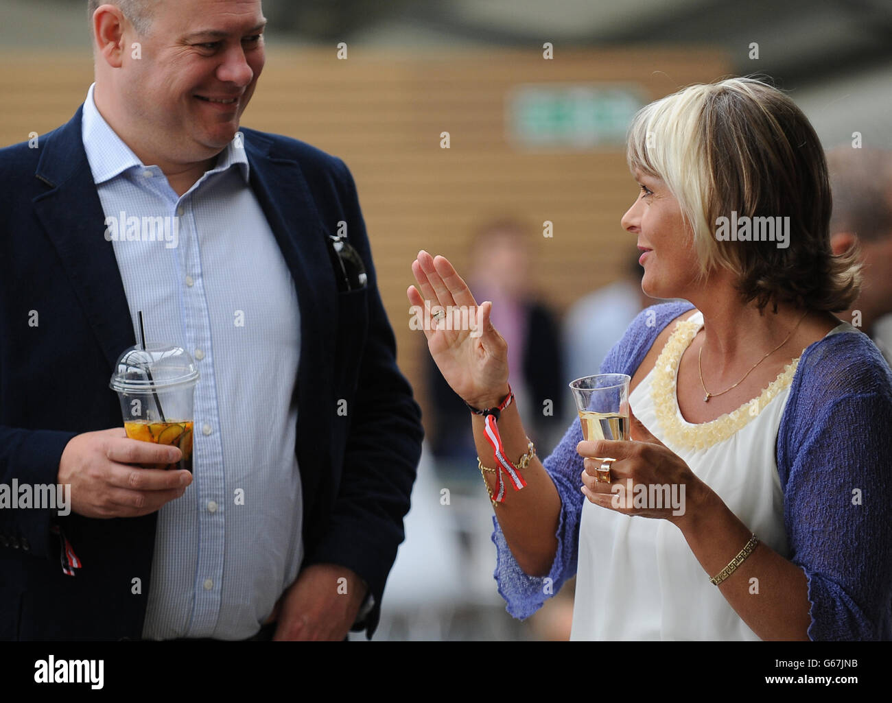 Spectators Enjoying Hospitality On The Corinthian Roof Terrace High Resolution Stock Photography And Images Alamy
