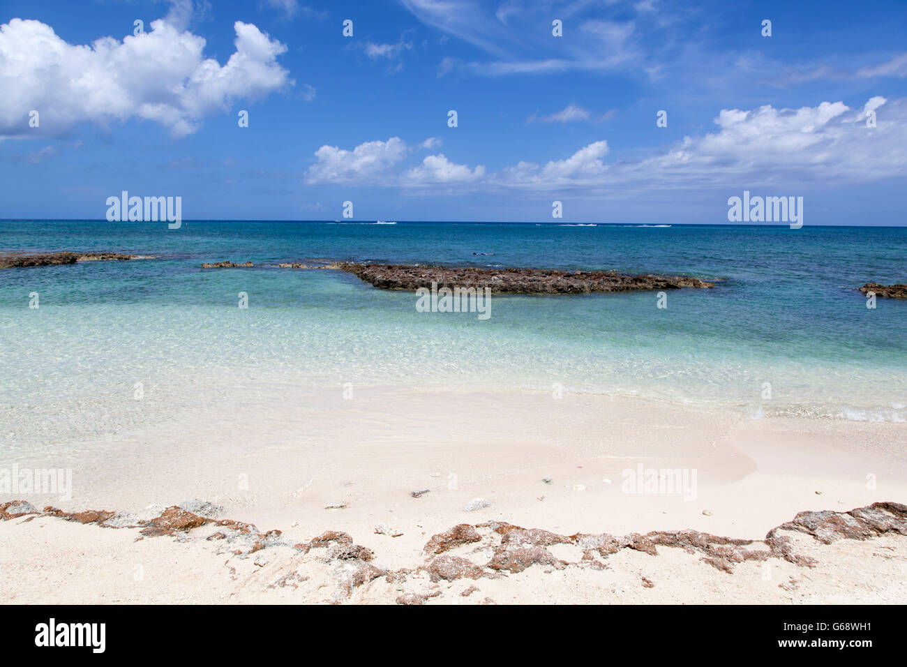 Seven Mile Beach waters on Grand Cayman island. - Stock Image