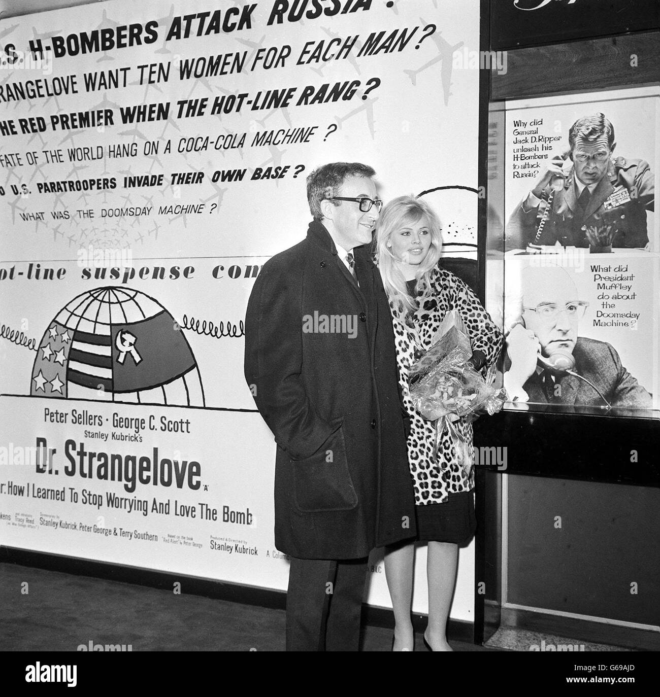 Peter Sellers and Britt Eckland. - Stock Image