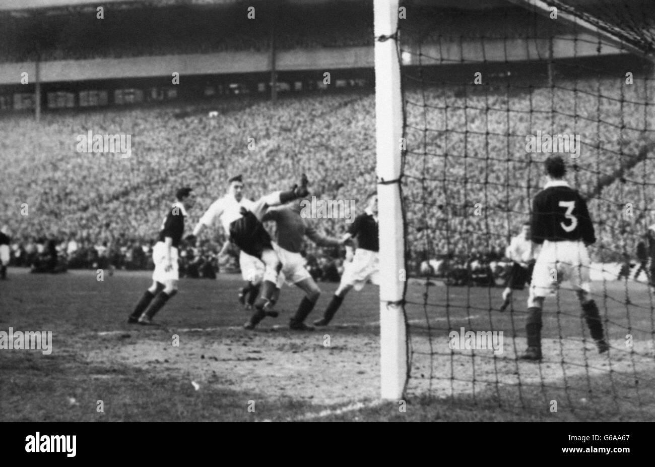 soccer-british-home-championship-scotland-v-england-hampden-park-G6AA67.jpg