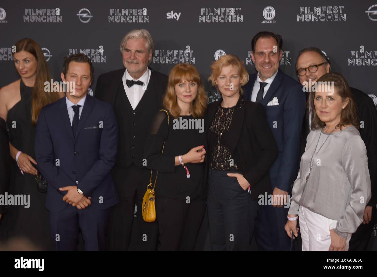 Munich, Germany. 23rd June, 2016. Actor Peter Simonischek (3-L), director Maren Ade (4-L), actress Sandra Huller Stock Photo