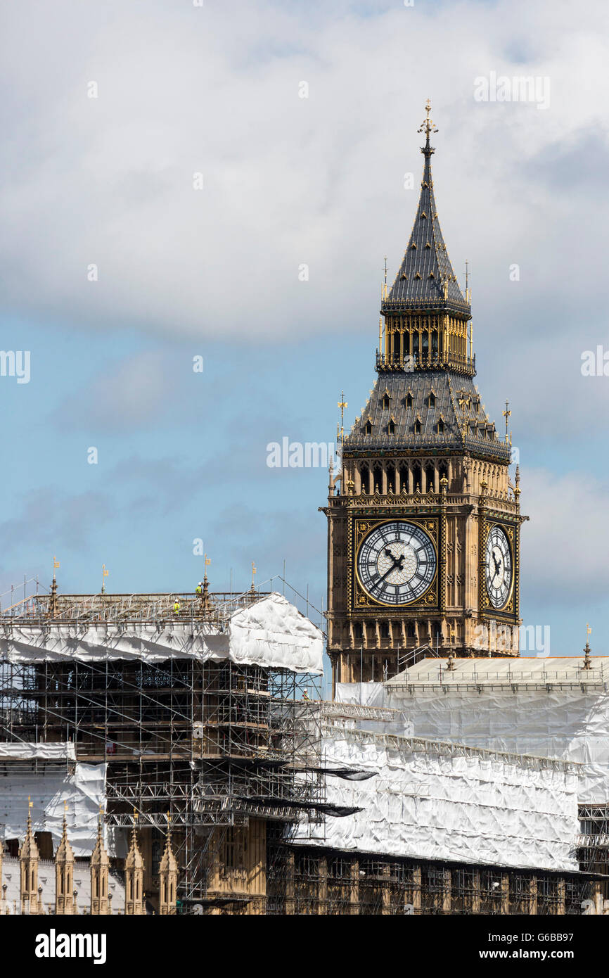 London, UK. 24 June 2016. Major construction works currently taking place at the Houses of Parliament.  Reactions Stock Photo